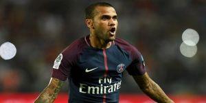 Alves, Alexis Sanchez'i PSG'ye getirmek istiyor