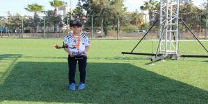 Dokuz Yaşında Profesyonel Drone Yarışçısı
