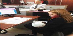 Avukat Anne 4 Aylık Bebeğiyle Duruşmaya Girdi, Sosyal Medyadan Destek Yağdı