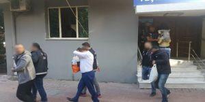 İzmir'in En Büyük Uyuşturucu Baronu Ve Annesi Yakalandı