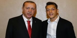 Mesut Özil, 29 Ekim Resepsiyonu'na katıldı