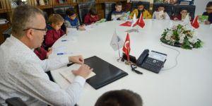 Özkan, Öğrencilerle Kitap Dünyasında Yolculuğa Çıktı