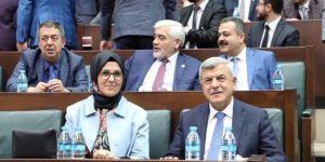 Karaosmanoğlu, grup toplantısına katıldı