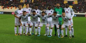 Süper Lig'de sadece Başakşehir 'kızarmadı'