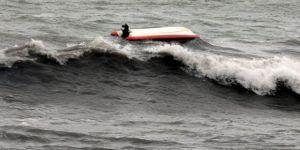 Tekne alabora oldu: 13 ölü