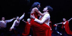 Demet Özdemir'in ateşli dansı herkesin beğenisini topladı