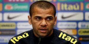Dani Alves: Gabriel Jesus yeni Ronaldo