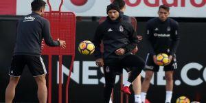 Beşiktaş'ta Caner ve Mitrovic'in doğum günü kutlandı