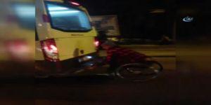 Tekerlekli Sandalyeyle Minibüse Asıldı