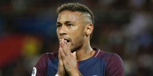Neymar, evini boşalttı