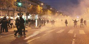 Köle pazarına Paris'te protesto
