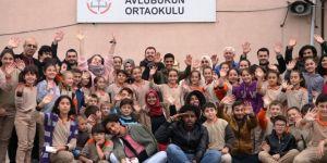 Uluslararası Öğrenciler Avluburun İlkokulu'nu Ziyaret Ettiler