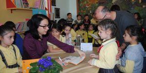 Yazar Güler, öğrenciler ile buluştu