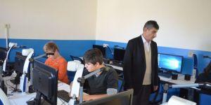 Görme Engelli Okulun Tek Görme Engelli Öğretmeni