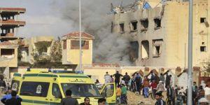 Mısır'da camiye saldırı