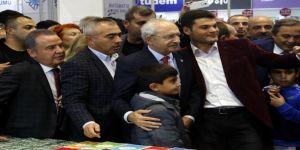 Kılıçdaroğlu, Konyaaltı Kitap Fuarı'nı Gezdi