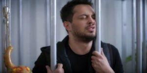 Beyaz Show'da Murat Boz'u kafese tıktılar!