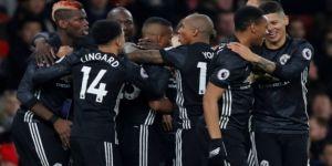 Manchester United, Arsenal'e acımadı