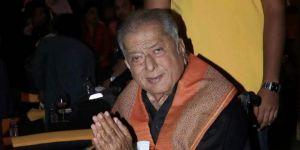Shashi Kapoor hayatını kaybetti