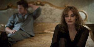 Angelina Jolie evliliğini o filmle kurtarmak istemiş!