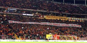 Türk Telekom Stadyumu'nda Kudüs tepkisi