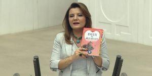 'Bu kitapları kaldırmadan devrim falan olmaz'
