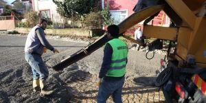 Başiskele'de yollar betonla kaplanıyor