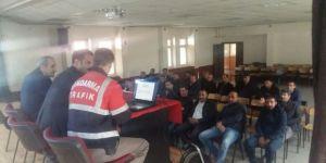 Pasinler'de servis sürücülerine eğitim semineri