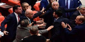 Meclis'te yine kavga!