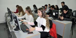 Türkiye'de ders verilen tek E-Ticaret Uygulama Laboratuvarı
