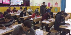 Hakkari'de 449 öğretmen sınavda ter döktü
