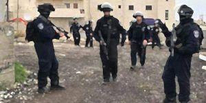 İsrail iki Türk vatandaşını sınır dışı etti