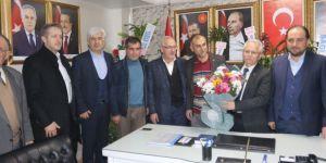 AK Parti'li vekiller Akhisar'da partililerle buluştu