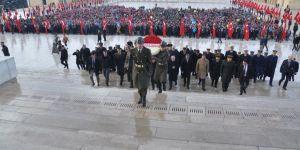 Ankara Valisi Topaca Anıtkabir'i ziyaret etti