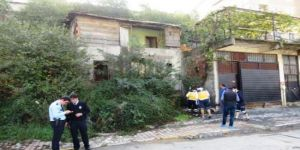 4 katlı binada 2 erkek cesedi bulundu