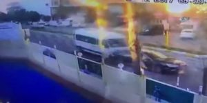 Okul servisinin kaza anı güvenlik kamerasında