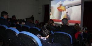 Elazığ'da özel çocukların sinema keyfi