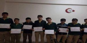 Hijyen kursunu başarıyla bitiren öğrencilere belgeleri verildi