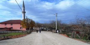 İzmit Belediyesi'nin köylerdeki  parke seferberliği sürüyor