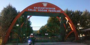 Gaziantepspor'da taraftarlar kulübü bastı
