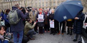 Paris'te terör kurbanları anıldı