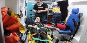 Kocaeli'de akılalmaz kaza: Yolcu midibüsü su kanalına düştü!