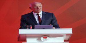 Papandreu konuşmasına Türkçe başladı