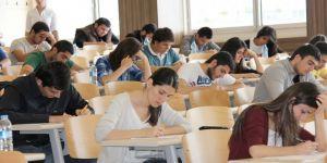 Açıköğretim öğrencilerine 'kimlik' uyarısı