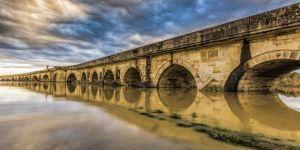 Tarihi köprü yenilenecek