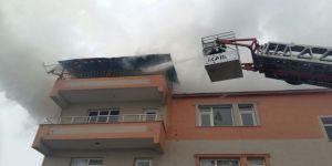 Çatı katında yangın!