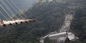 Köprü çöktü: 9 ölü