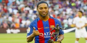 Ronaldinho veda etti