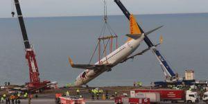 Pistten çıkan uçak kurtarıldı!