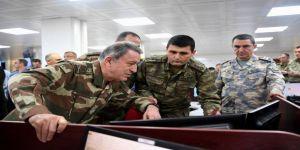 """Genelkurmay Başkanı Akar, """"Zeytin Dalı Harekatı"""" ile ilgili incelemelerde bulundu"""